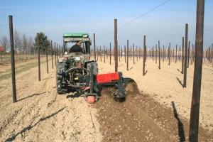 Bodenvorbereitung mit der Pflanzfräse